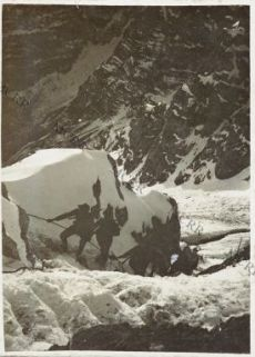 Sul Monte Gregnedul - Alpini in cordata