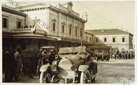L'arrivo di Re Nicola alla Staz. di Udine