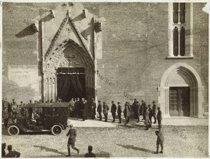 Udine 2/11-1916 Commemorazione Defunti. L'uscita dal Duomo
