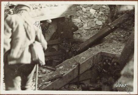 Postazione di bombarde sul Tonale.
