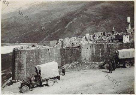 Rovine nel Castello di Tepeleni.