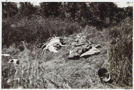 Mucchi di cadaveri austriaci