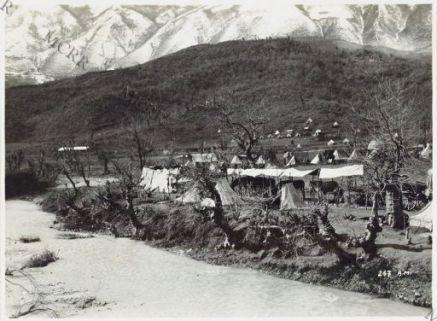 Attendamenti lungo il fiume Desnica.