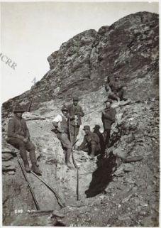 Quota 1050: lavori di scavo con martelli pneumatici