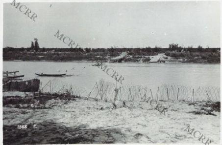 A Passarella di fronte Agenzia Trezza. I ponti di barche austriaci distrutti dalla nostra artiglieria.