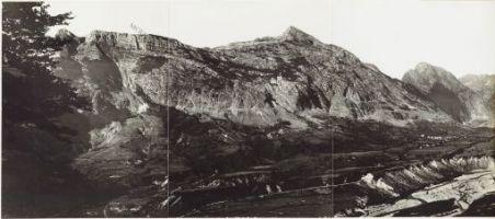 Panorama della Conca di Plezzo. Eseguito dal Polonik. 23 Settembre 1915.1. Pluzne; 2. Monte Kukla; 3. Monte Rombon; 4. Fiume Isonzo; 5. Plezzo.