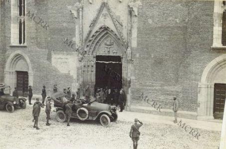 S.M. all'uscita del Duomo di Udine con S.E. Boselli alla commem. Re Umberto.