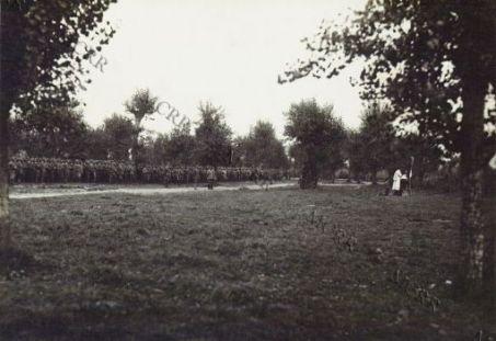 La messa al campo: granatieri.