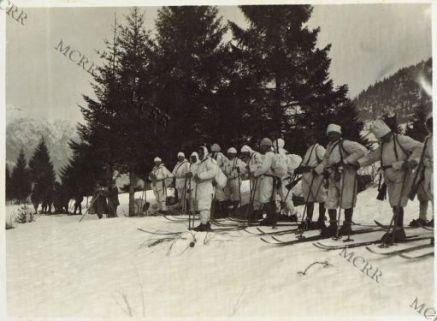Sciatori in Carnia presso Timau