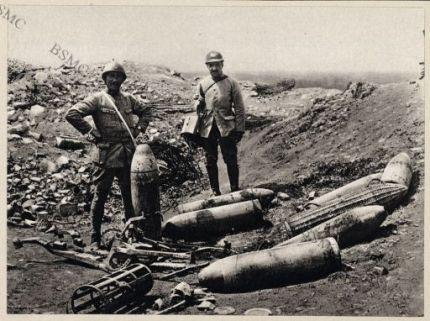 Région d'Herbécourt. Materiel et munitions trouvés dans les anciennes trnchées allemandes