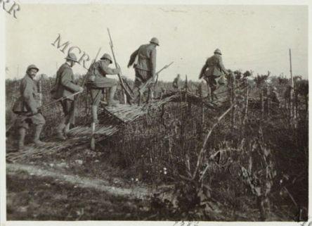 Soldati italiani in azione.