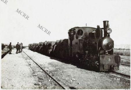 Fronte albanese. Locomotiva con carico di fieno