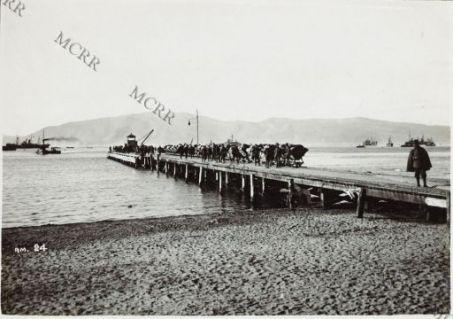 Fronte albanese. Vista del porto di Valona