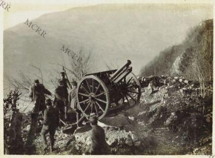 Zona Monte Nero - cannone antiaereo su tronco