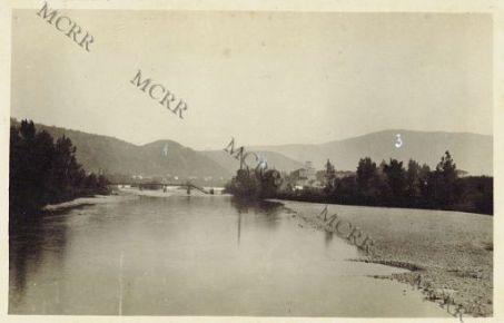 Gorizia. 9-8-16. L'Isonzo. (In fondo: 1 il Grafenberg. 2 Il Penna. 3 Il Sabotino)