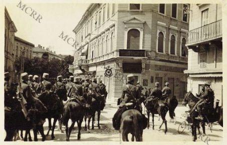 Gorizia. 9-8-1916. La cavalleria nel Corso Francesco Giuseppe