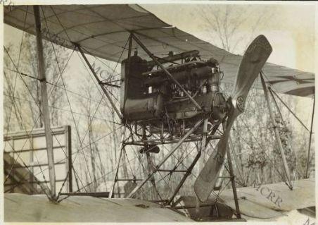 Grado: dettaglio motore idroplano austriaco abbattuto il 30/3-1916