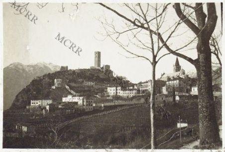 Gemona. Panorama città e castello