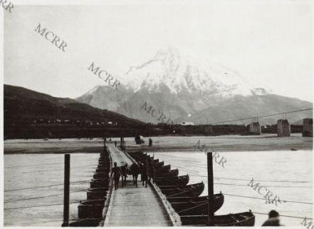 Fronte albanese. Ponte sul Vojussa