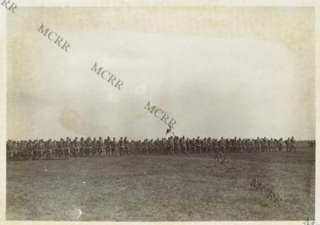 S.E. Cadorna assiste allo sfilamento del 20 e 20 Reggimento Fanteria: lo sfilamento