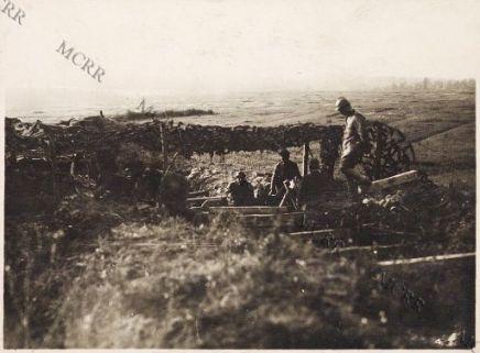 Fronte italiano in Francia. Un comando di Regg. nel bosco delle Argonne.