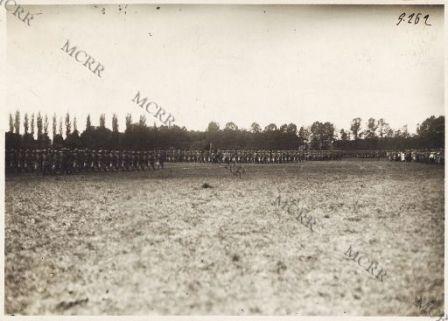 Fronte italiano in Francia. Consegna delle medaglie ai valorosi.