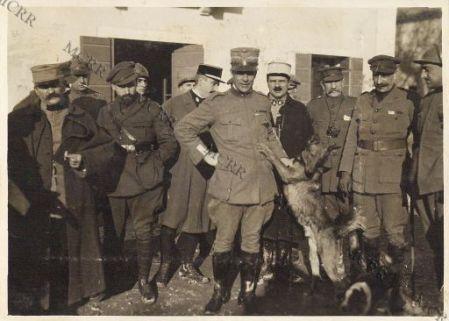 Peppino Garibaldi tra ufficiali francesi