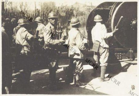 Album 53. Offensiva Italiana agosto 1917. Latterie francesi e cannoni 305 italiani.