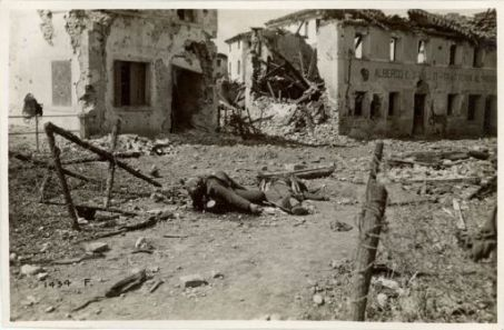 Affratellati nella morte dopo (un Caporale Italiano e un Cacciatore Austriaco)