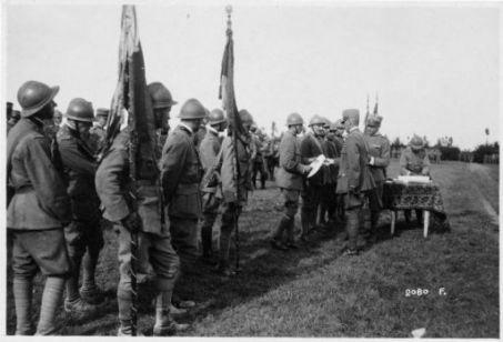 Premiazione alla 60^ Divisione (Gen. Mazzani) 22° Corpo d'Armata (Gen. Vanari) presso Falzé