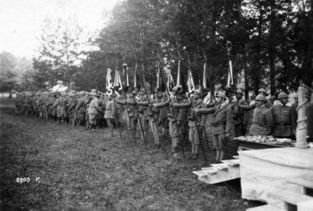 Al campo degli Arditi per la consegna delle medaglie al valor militare