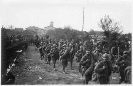 Le nostre truppe regolari arrivano a Bonzicco