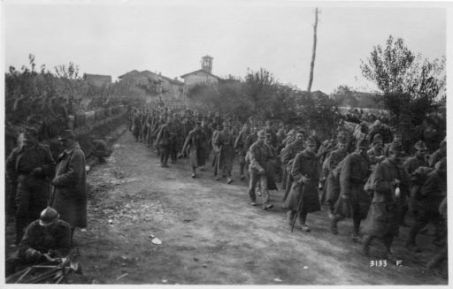 Interi reggimenti austriaci verso i nostri posti di concentramento