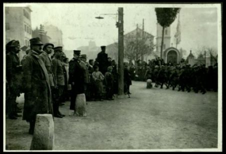 L'ammiraglio Millo passa in rivista le truppe il 17 dicembre 1918