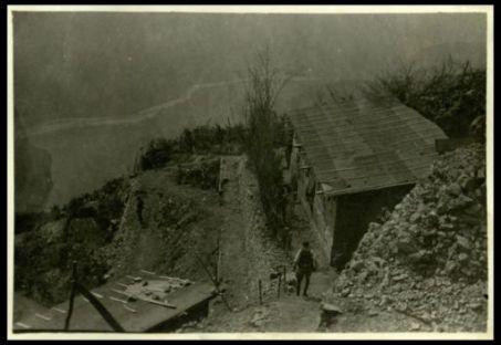 Sul Merzli: baraccamenti a quota 1145