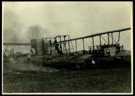 Areoplani incendiati al campo di Aviano