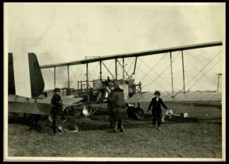 Aeroplani incendiati e abbandonati ad Aviano