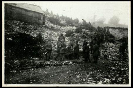 A Cima Echar: 16 giugno 1918. Una compagnia di mitragliatori di riserva che va in linea