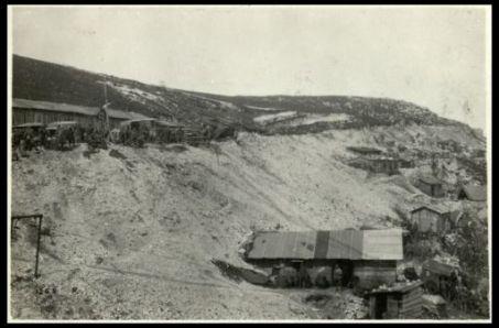 18 giugno 1918. Rifugi e baracche della Croce Rossa sul Grappa