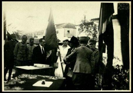 Consegna delle bandiere alla sezione mutilati di Piove di Sacco.