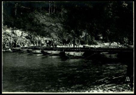 Ponte di barche sull'Isonzo, a Bodrez