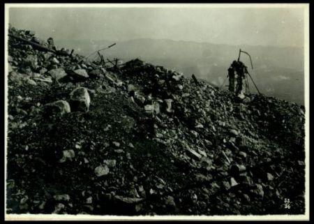 Reticolati e rovine sul Monte Santo