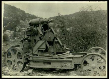 Affusti per mortai da 305 abbandonati dagli austriaci
