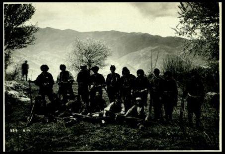 Svarasi: banda irregolare albanese