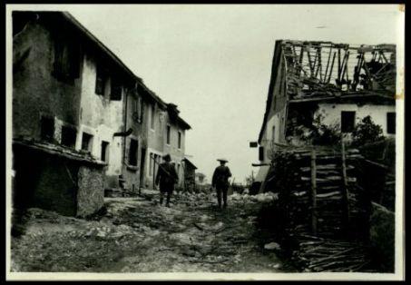 Cesuna poche ore dopo il bombardamento austriaco