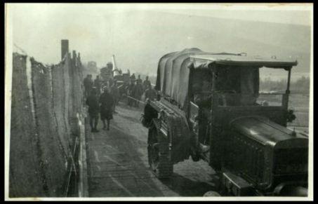 Ponte di Mainizza: traino di grosse artiglierie