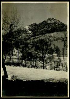 Val di Ledro sotto le posizioni austriache. In alto le posizioni austriache. (censurata)