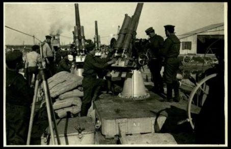 Belvedere: una batteria antiarea su pontone