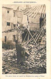 Exploits Autrichiens : Une pauvre femme qui regarde les décombres de sa maison a Padoue