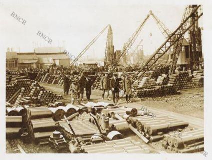Fotografie di truppe inglesi impegnate su vari fronti